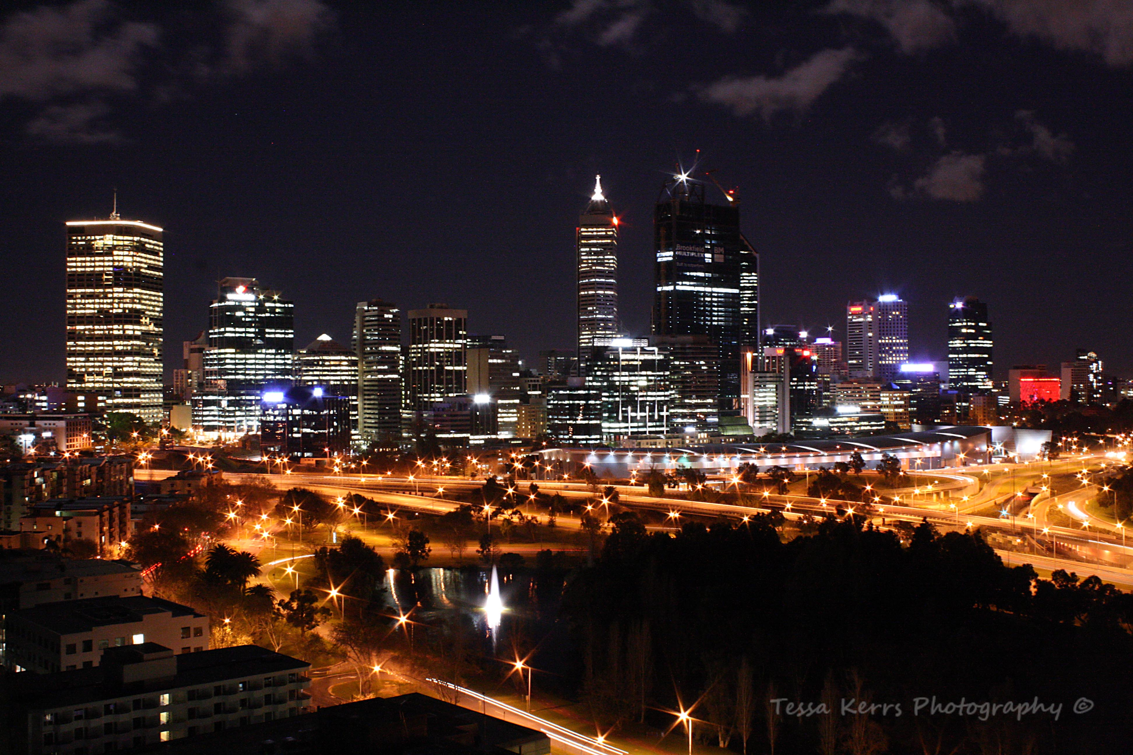 City Night Landscape Photography - klejonka